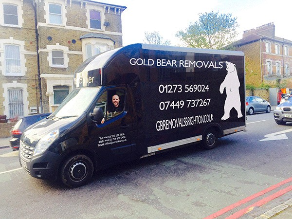 gold bear removals brighton van on the move